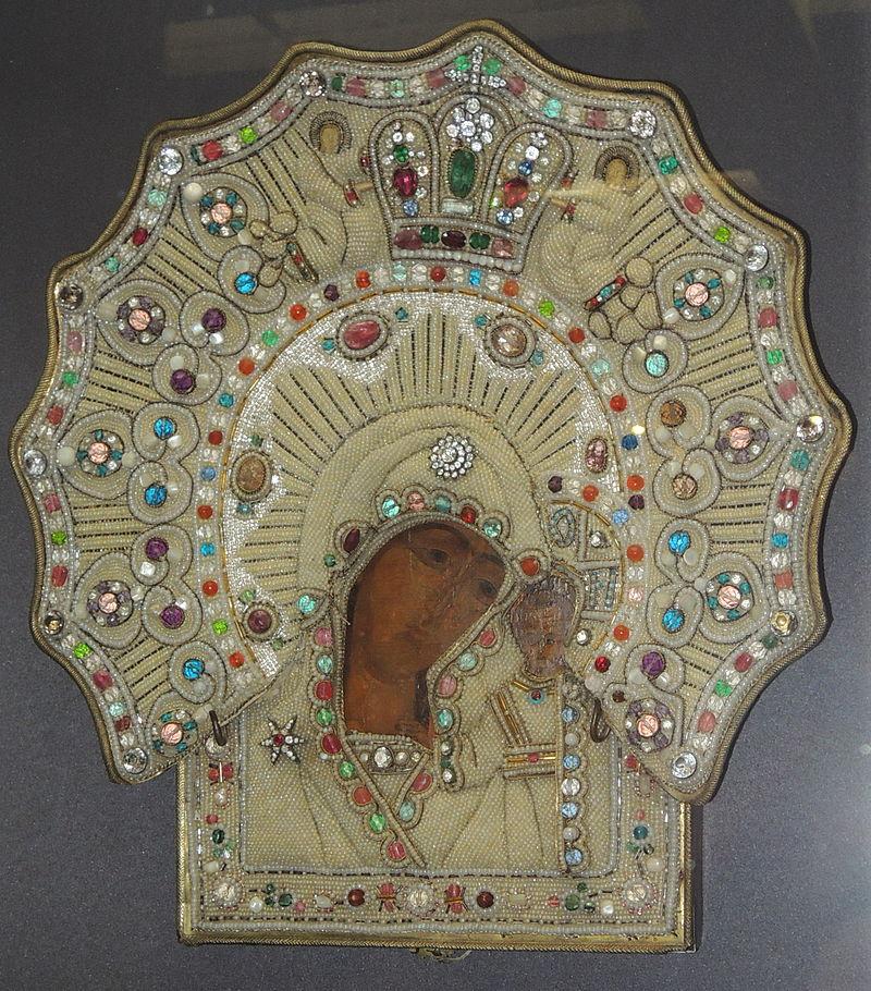 Один из старейших существующих списков Казанской иконы.  век, в ризе 1881 года. Ярославский музей