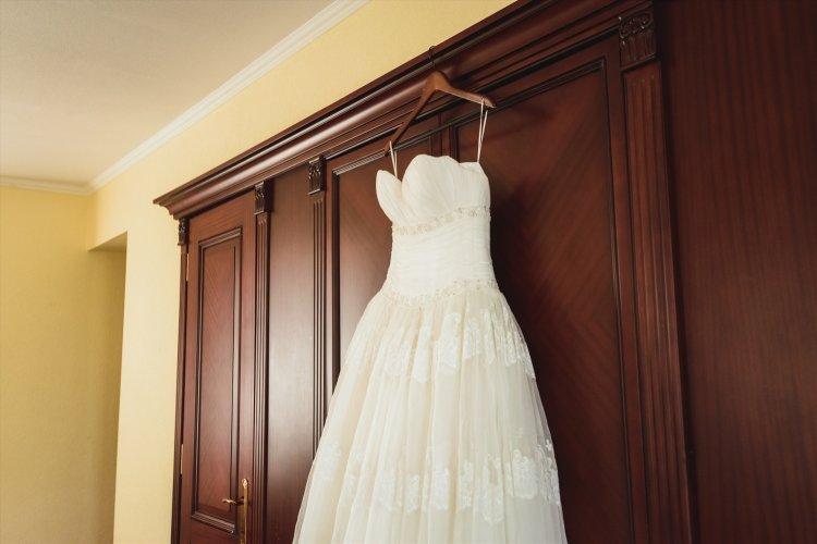 Нельзя продавать свадебное платье