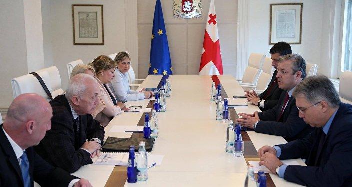 Встреча представителей правительства Грузии с сотрудниками Центра инфекционной патологии
