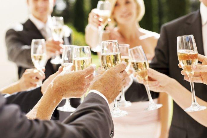 Свадебное застолье не обходится без тостов
