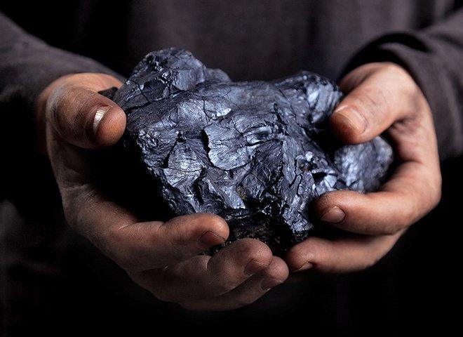камень в руках