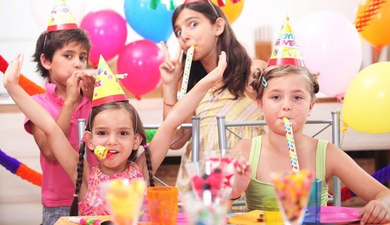 Для детей тоже можно подобрать оригинальные интеллектуальные конкурсы. Фото с сайта unicaevents.ancorathemes.com