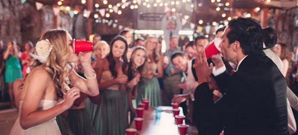 Свадьба дома — веселые конкурсы. Фото с сайта lulusvadba.ru