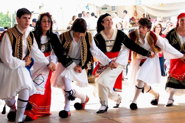 Праздник у разных народов. Фото с сайта www.oostmarkt.ru