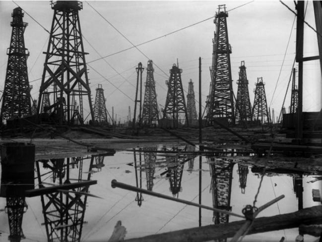 Нефтепромышленность. Фото с сайта mamm-mdf.ru
