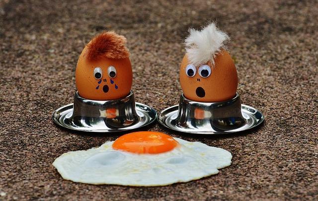 Фото прикол с куриными яйцами