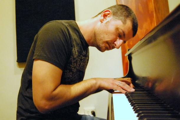 Фортепьяно и человек