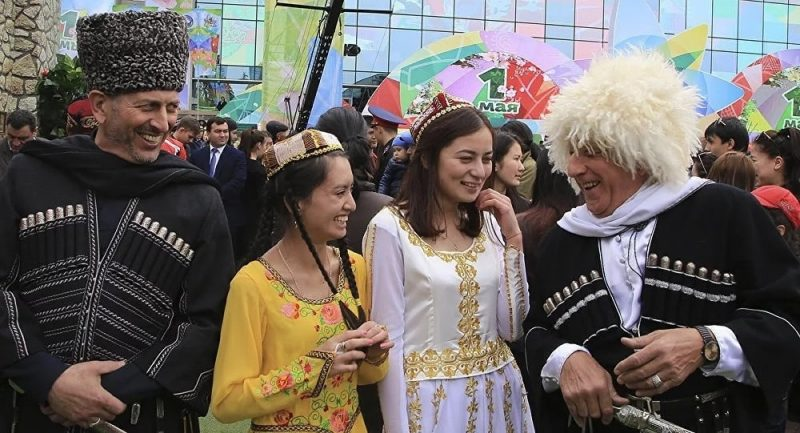 1 Мая — День единства народов Казахстана: поздравления