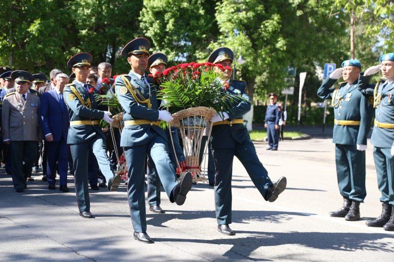 День защитника Отечества в Казахстане: поздравления