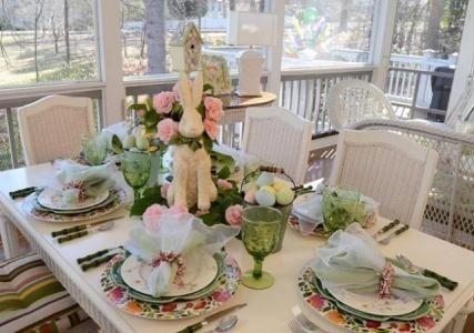 праздничный стол с розами