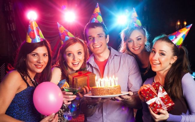 С Днем рождения друга картинки скачать бесплатно прикольные