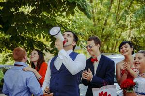 Свадебная традиция выкупа невесты.