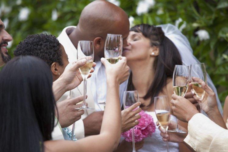 Короткие тосты на свадьбу