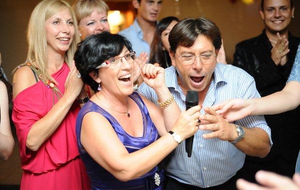 Конкурсы должны быть подобраны с учетом коллег. Фото с сайта i.imgur.com