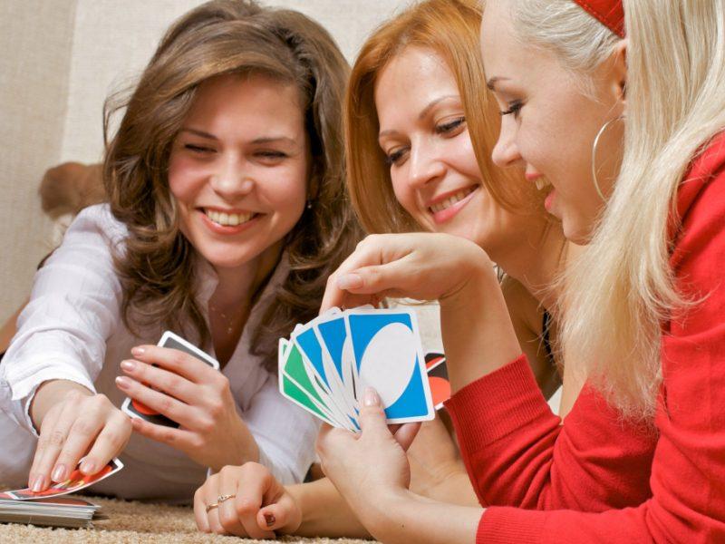 Найдите развлечение, которое всем придется по вкусу. Фото с сайта skachatkartinki.ru
