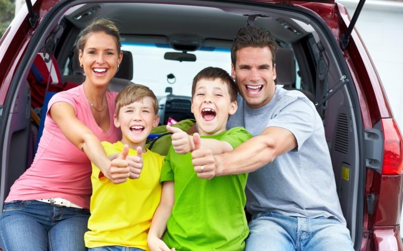 Игры в дороге: чем занять ребенка в машине, поезде, самолете. Лучшие игры для поездки с детьми, в которые можно играть без всего.