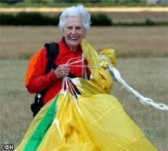 бабушка парашютистка