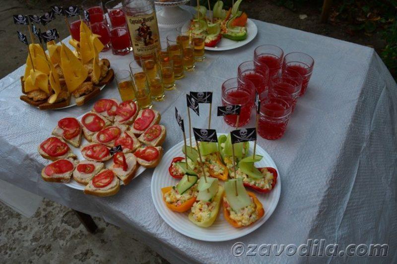 пиратская вечеринка: меню, стол