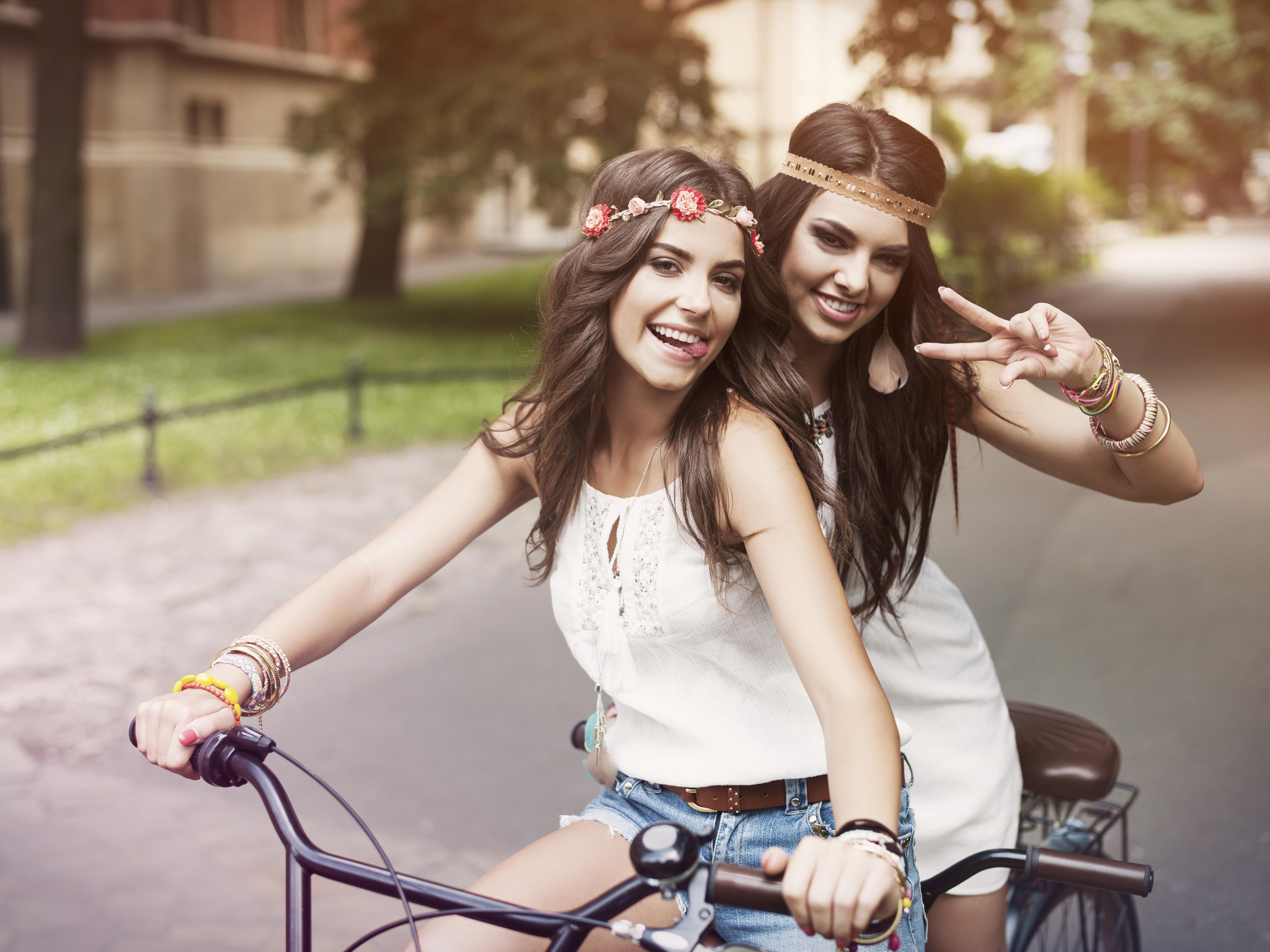 Братья и сестры - лучшие друзья с рождения. Фото с сайта 1zoom.ru