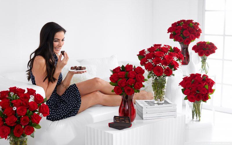 Игорь Лапин расскажет, какие выбрать цветы для девушки