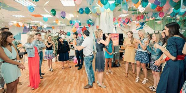 Подборка смешных конкурсов: как весело отпраздновать взрослый и детский День рождения