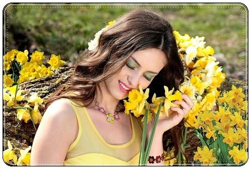 Поздравить молодую женщину с днем рождения красиво